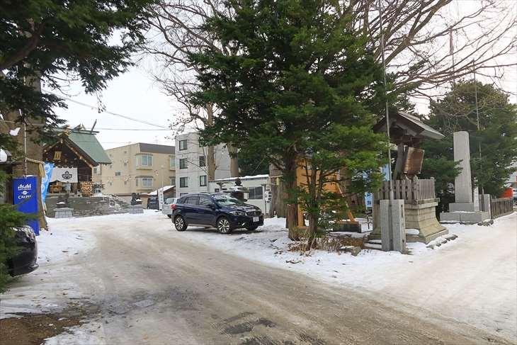 札幌諏訪神社 駐車場入口