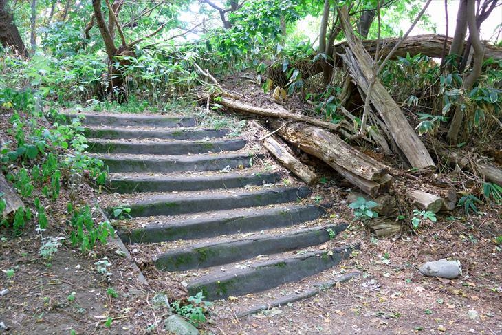 札幌伏見稲荷神社への階段その2