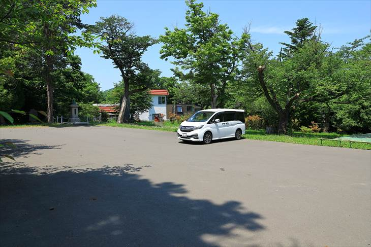 札幌伏見稲荷神社の駐車場