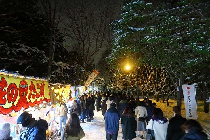 元旦深夜の北海道神宮