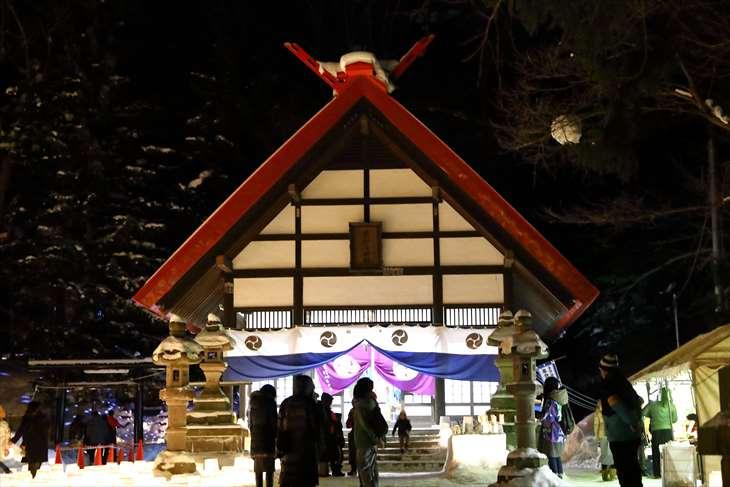 定山渓温泉 雪灯路の時の定山渓神社の拝殿