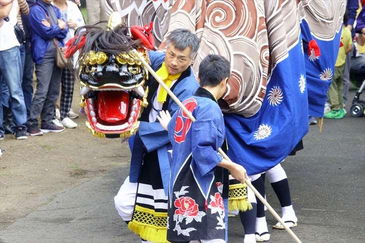 丘珠神社のお祭り・丘珠獅子舞の様子