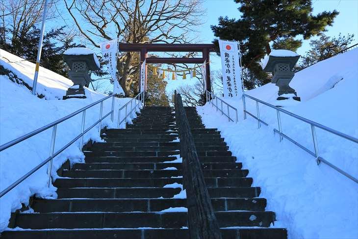 冬の厚別神社 階段