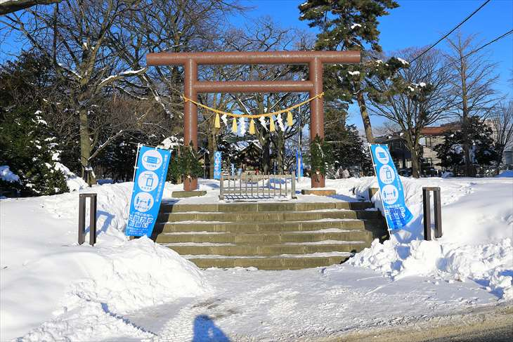 冬の厚別神社 もう1つの鳥居