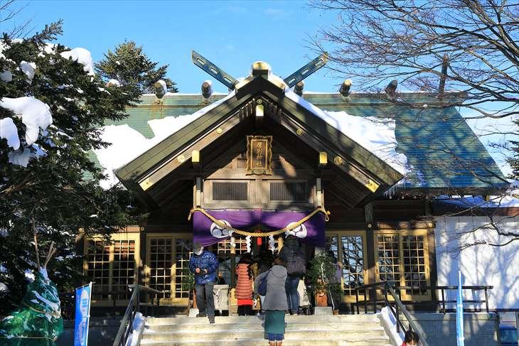 冬の厚別神社 拝殿