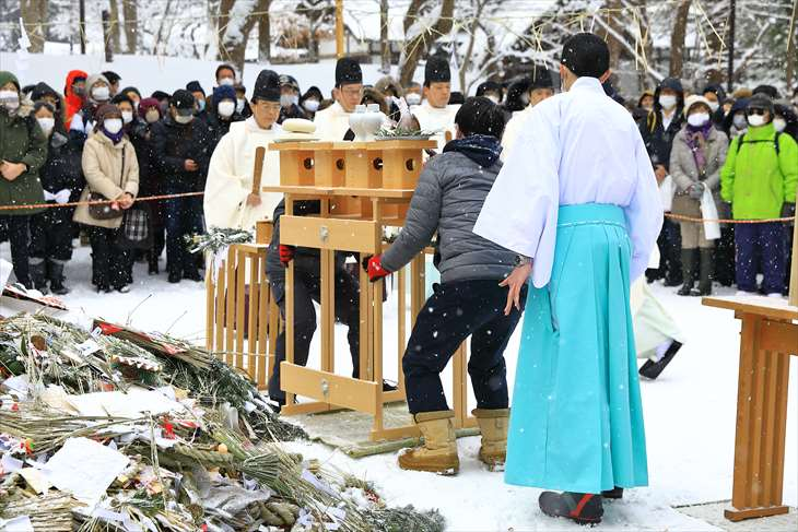 北海道神宮のどんど焼き(古神札焼納祭)